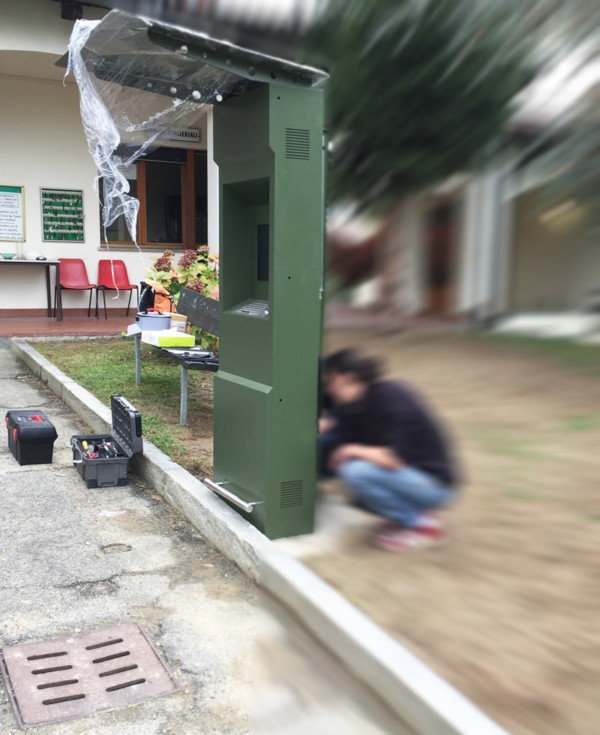 Installazione totem per cimitero | Totemmultimedia | Totem da esterno