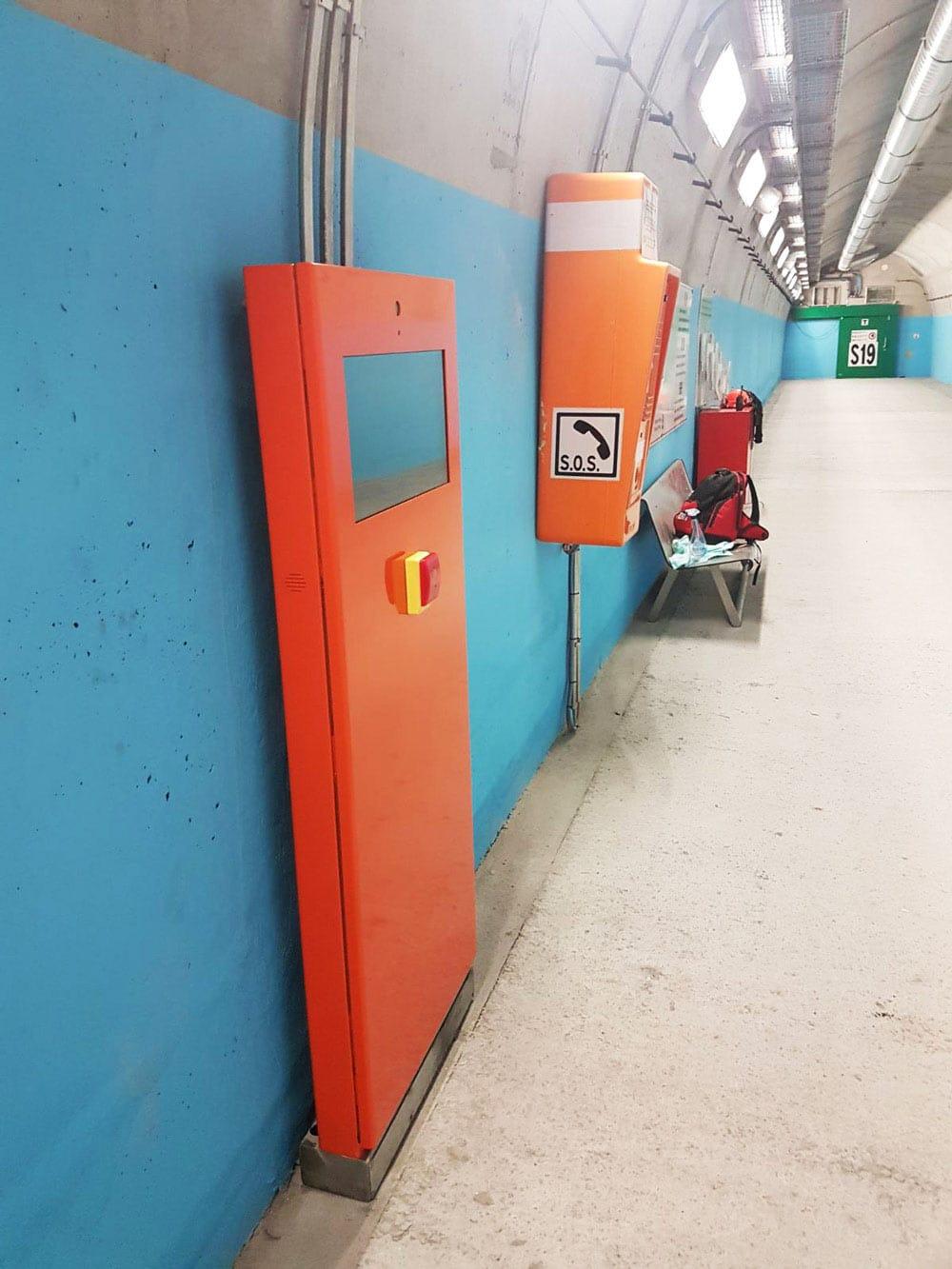 Totem SOS | Totemmultimedia | Kiosk con pulsante